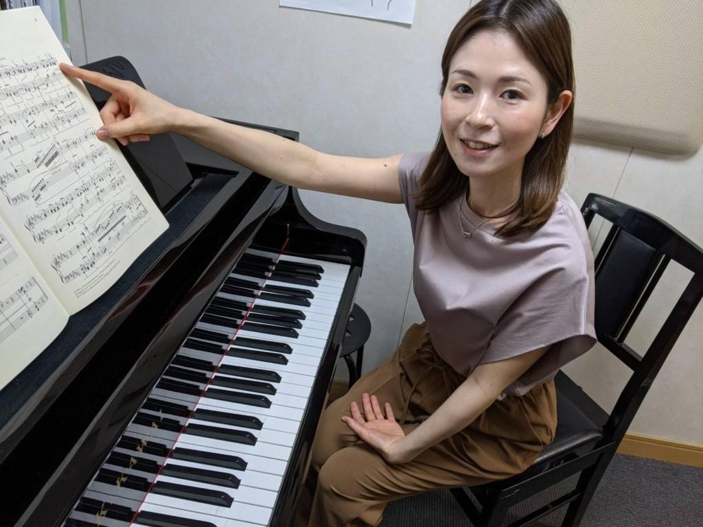 ピアノ  井上 亜依子2